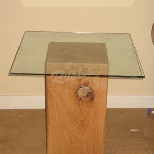 Glass-Top-Pedestal-Lamp-Table